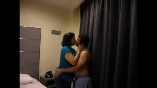 South Indian Couple Quick Kissing Mms